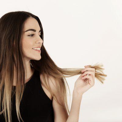Wypadanie włosów i łysienie